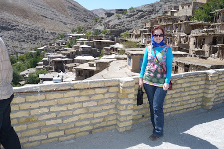 Tinuta femei Iran