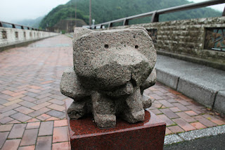 犬の石像1