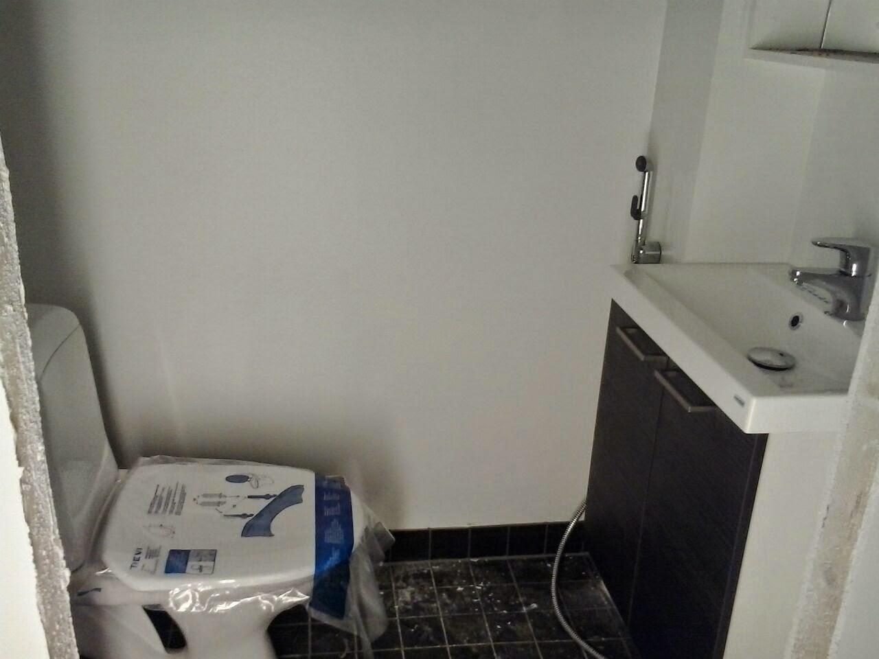 wc pöntön asennus viemäriin