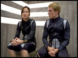 catching-fire-katniss-peeta-nov-2013-3