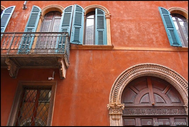 Windows and Doorways of Verona (11)
