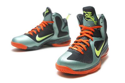timeless design d64c4 16f93 pre-heat   NIKE LEBRON - LeBron James Shoes