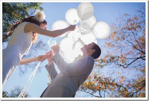 helen-colin-wedding-day-white-colorful-hipster-rustic-vintage-special-lovely-couple-inspiration-blogger-blog-baloons