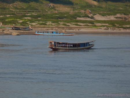 143. vas pe Mekong.JPG