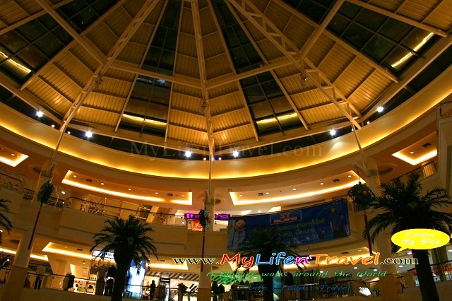 Jungceylon shopping mall 59