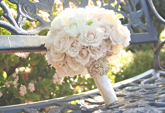 vintage-white-ivory-bouquet-bench1 karen tran