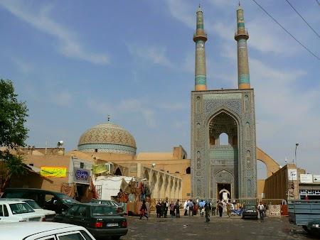 08. Moscheea din Yazd.JPG
