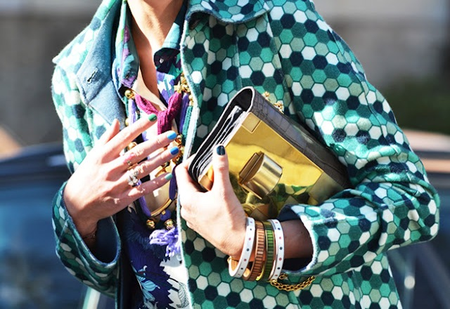 bright colors fashion trend street style green and blue pattern gold snakeskin clutch 009