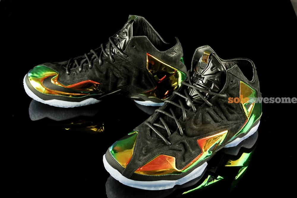 the latest 09d6d 112d5 ... Detailed Look at King8217s Crown LeBron 11 EXT 677693001 ...
