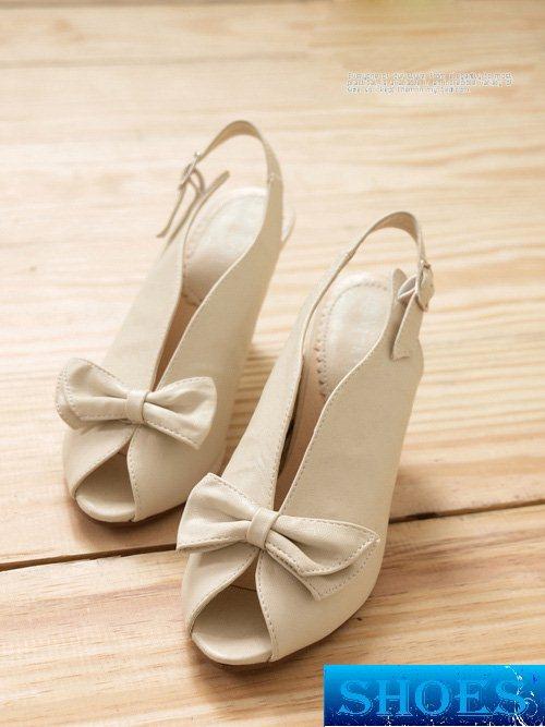 شوزات صيفية 2014 احذية بناتى اخر شياكة 2014 - موضة احذية البناتى 2014 img4e0ef2f4aa47956800521a295744b687.jpg
