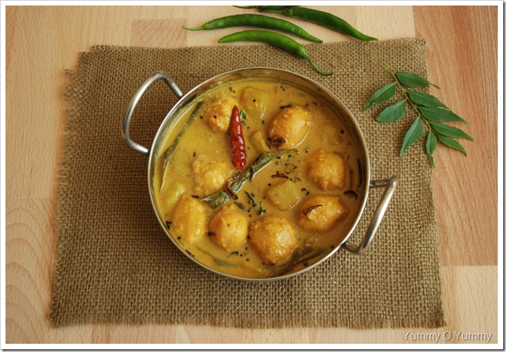 Vada Koottu Curry - Trivandrum Style