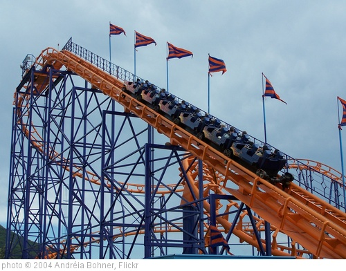 'Roller coaster' photo (c) 2004, Andréia Bohner - license: http://creativecommons.org/licenses/by/2.0/