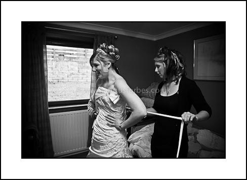 wedding photographer dundee bride getting ready