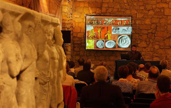 Les pintures de la vil·la dels misteris de Pompeia, conferència de Marc Laumà, investigador URV.Sala del Sarcòfag d'Hipòlit, Pretori romà, espais patrimoni mundial UNESCO.Tàrraco Viva, el festival romà de Tarragona.Tarragona, Tarragonès, Tarragona