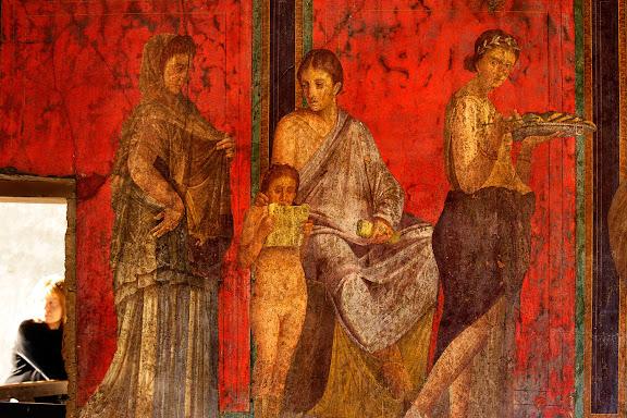 Antigua ciudad romana de Pompeya.Pinturas de la sala del triclinium de la villa de los Misterios.Parecen representar un rito de iniciación femenino ligado al culto de Dionisos.Pompeya, Italia