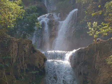 23. Cascada Kuang Si.JPG