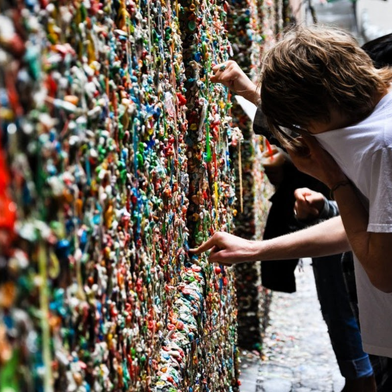 Chewing Gum Wall in California