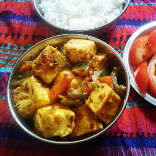 Paneer Jalfrezi recipe – Indian cottage cheese (paneer) with mixed vegetables and spices.