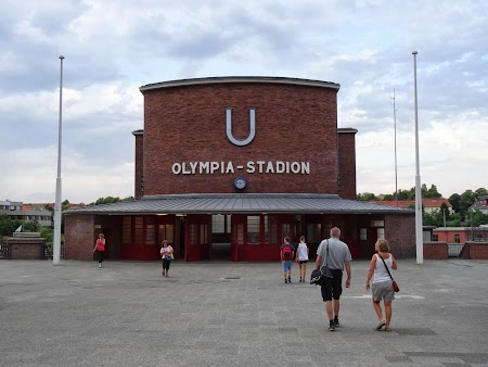 Statia de U-Bahn Olympiastadion Berlin