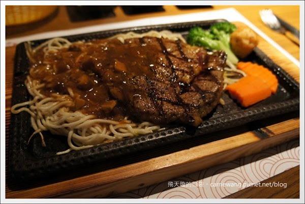 【台中美食推薦】赤鬼炙燒牛排@崇德店。平價牛排也不錯吃!