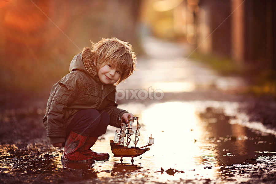 Puddle Muffin by Claire Conybeare - Chinchilla Photography - Babies & Children Toddlers ( england, rainy day, little boy, outdoors, bedfordshire, dunstable, fun, puddle, boat, toddler )