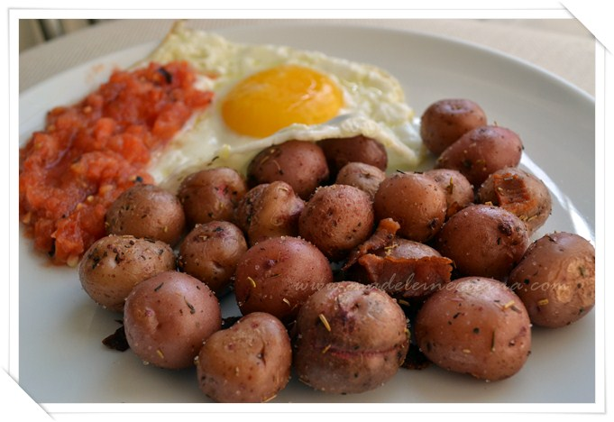 Potatoes with Bacon, Garlic, and Herbs Recipe