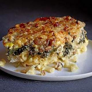 Cheesy Mac n Bangers Bake.