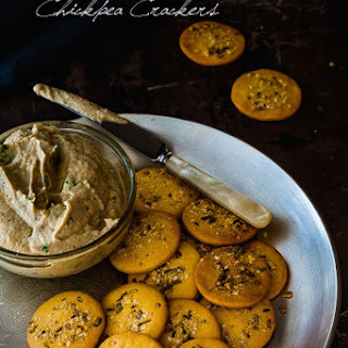 Dukkah Chickpea Crackers {vegan and gluten free}.