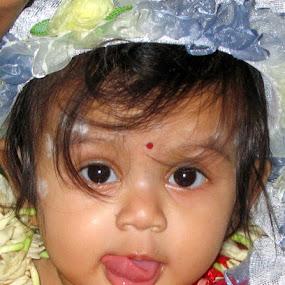 omg by Soumitra Biswas - Babies & Children Babies ( child, cutest baby, baby pose, cute baby, baby child )