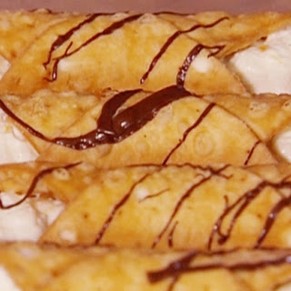Cannoli with Chocolate Drizzle Recipe