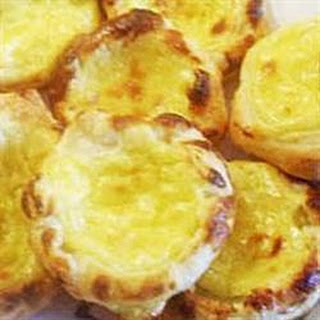 Pasteis de nata (Portuguese custard tarts).