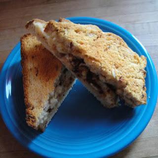 Bacon-Pimento Cheese Bread