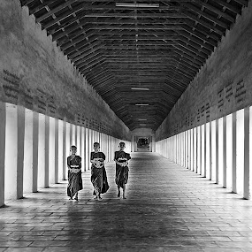 by Hong Yc - Black & White Portraits & People