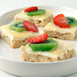 Strawberry-Kiwifruit Pizza in a Cookie Crust.