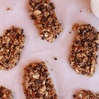 No-Bake Quinoa Crumble Bars