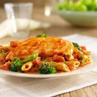 Hunt's® Tomato and Pesto Chicken.
