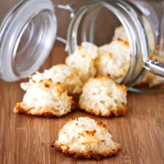 Easy Coconut Macaroons & A Great Spring Baking Giveaway From McCormick