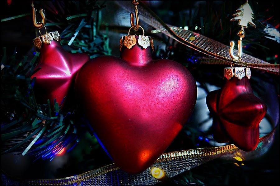 Christmas Heart by Black Haze - Public Holidays Christmas ( heart, star, christmas, chrismas decoration, , decoration, object )