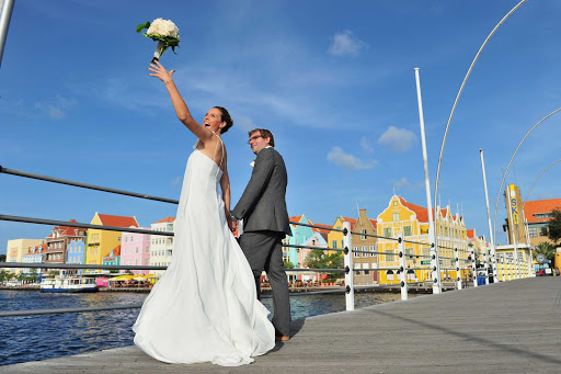 Curacao-wedding - Planning a Caribbean wedding? Curacao has a number of wedding professionals to help you arrange the perfect day.