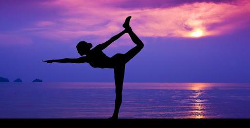 瑜伽姿勢的照片