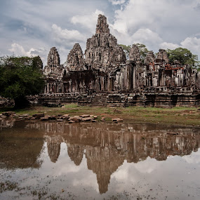 lost in jungle by Виктория Нарчук - Buildings & Architecture Public & Historical ( kambodja, ruins, travel, architecture, angkor wat )