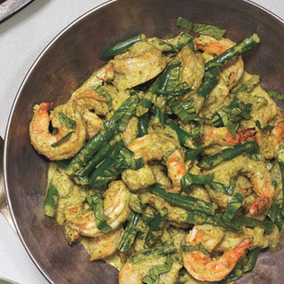 Shrimp and Coconut Curry with Green Beans