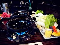 武饡坊石頭火鍋