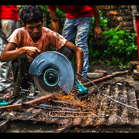 Fire Flakes by Pritam Saha - People Professional People ( color, street, candid, people,  )