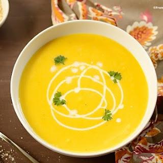 Healthy Creamy Pumpkin Soup (Sopa Cremosa de Abóbora)