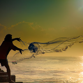 EARLY CATCH by Shaik Mohaideen - People Professional People ( thalaan kuppam, fishing, fisherman, chennai, silhouette,  )