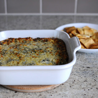 Cheesy Spinach Artichoke Dip