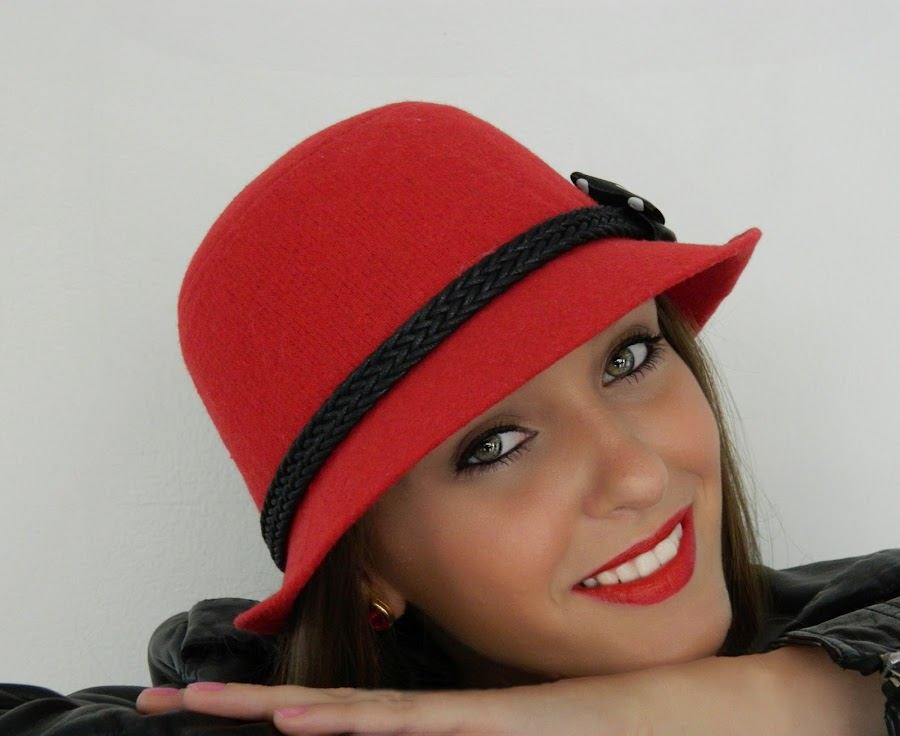 Red hat by Vera Vilela - People Portraits of Women ( fashion, model, red, beauty, people, eyes, hat, , urban portrait, urban fashion, unique outfit )