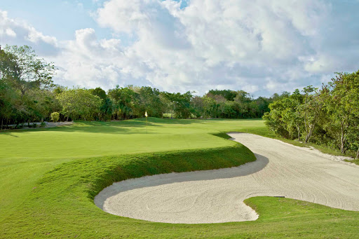 golf-Cozumel - For the avid golfer, Cozumel offers beautiful greens and sprawling sand traps.