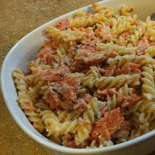 Cheesy Pasta Alfredo with Salmon